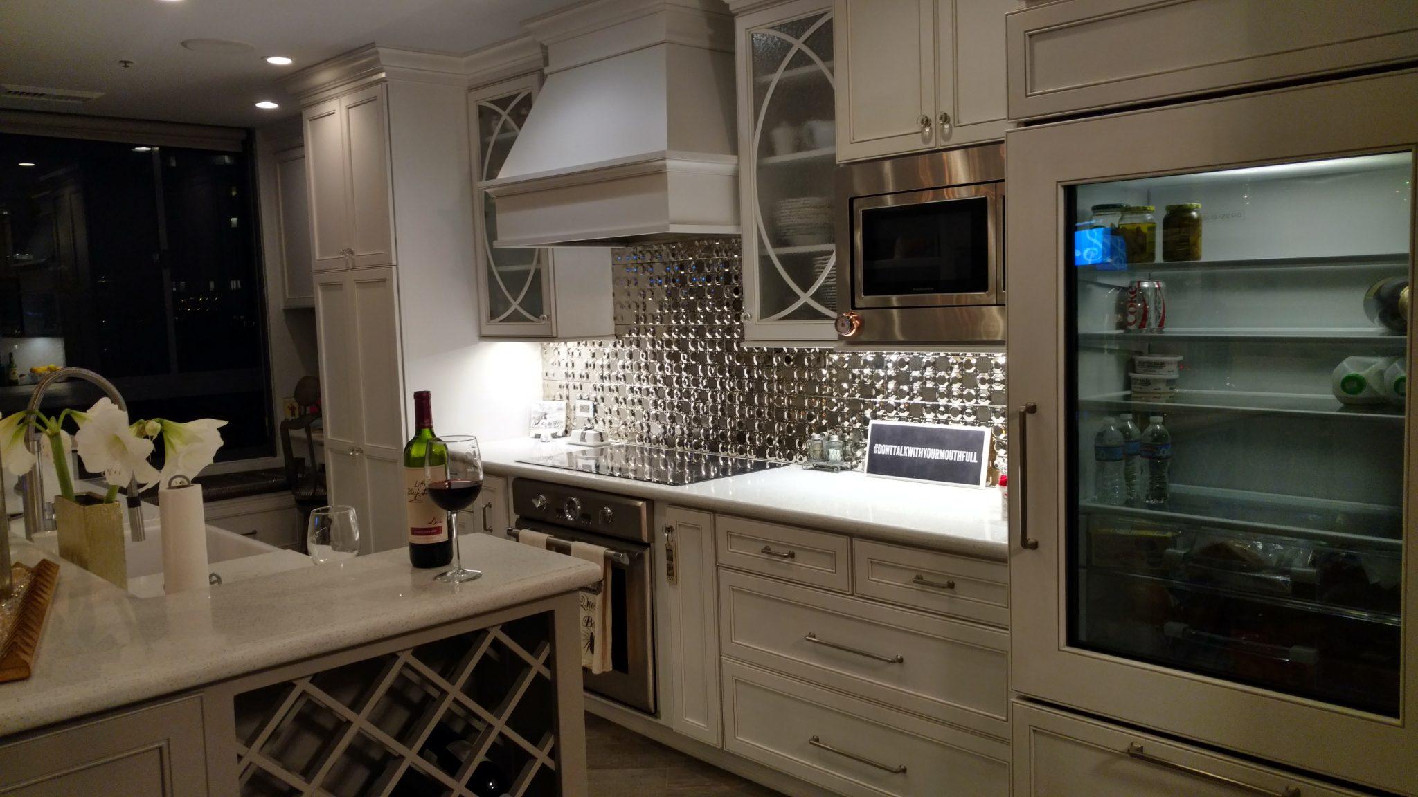 San Diego Interior Designer and Color Consultant | Anna Rodé Designs | Modern High-Rise Condo Kitchen