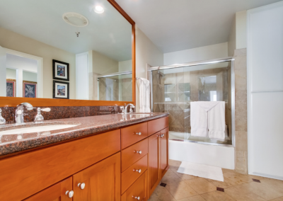 San Diego Interior Designer and Color Consultant | Anna Rodé Designs | Mission Bay Condo Bathroom