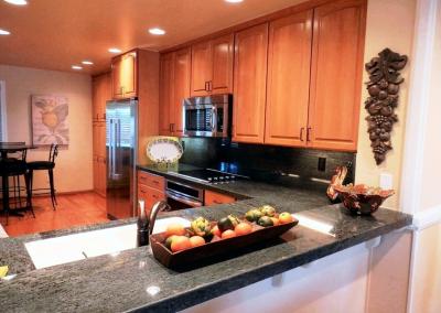 San Diego Interior Designer and Color Consultant | Anna Rodé Designs | Condo at the Beach Kitchen