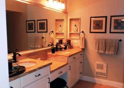 San Diego Interior Designer and Color Consultant | Anna Rodé Designs | Condo at the Beach Bathroom