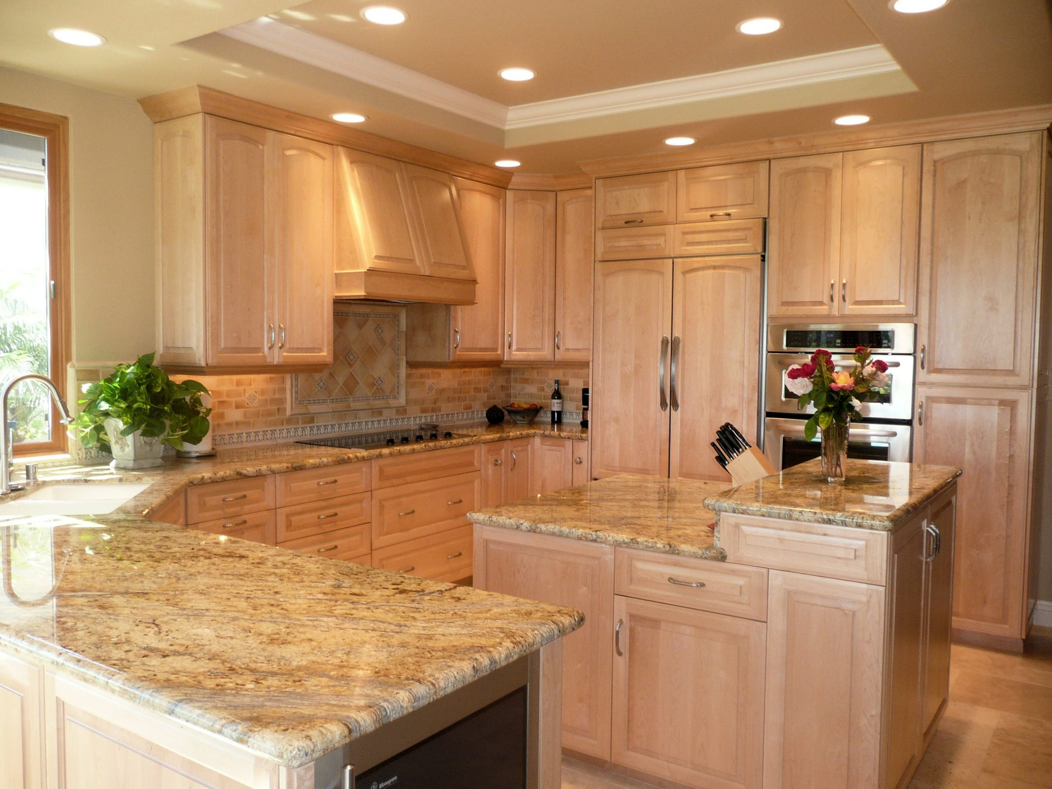 San Diego Interior Designer and Color Consultant | Anna Rodé Designs | Traditional Light Maple Country Kitchen