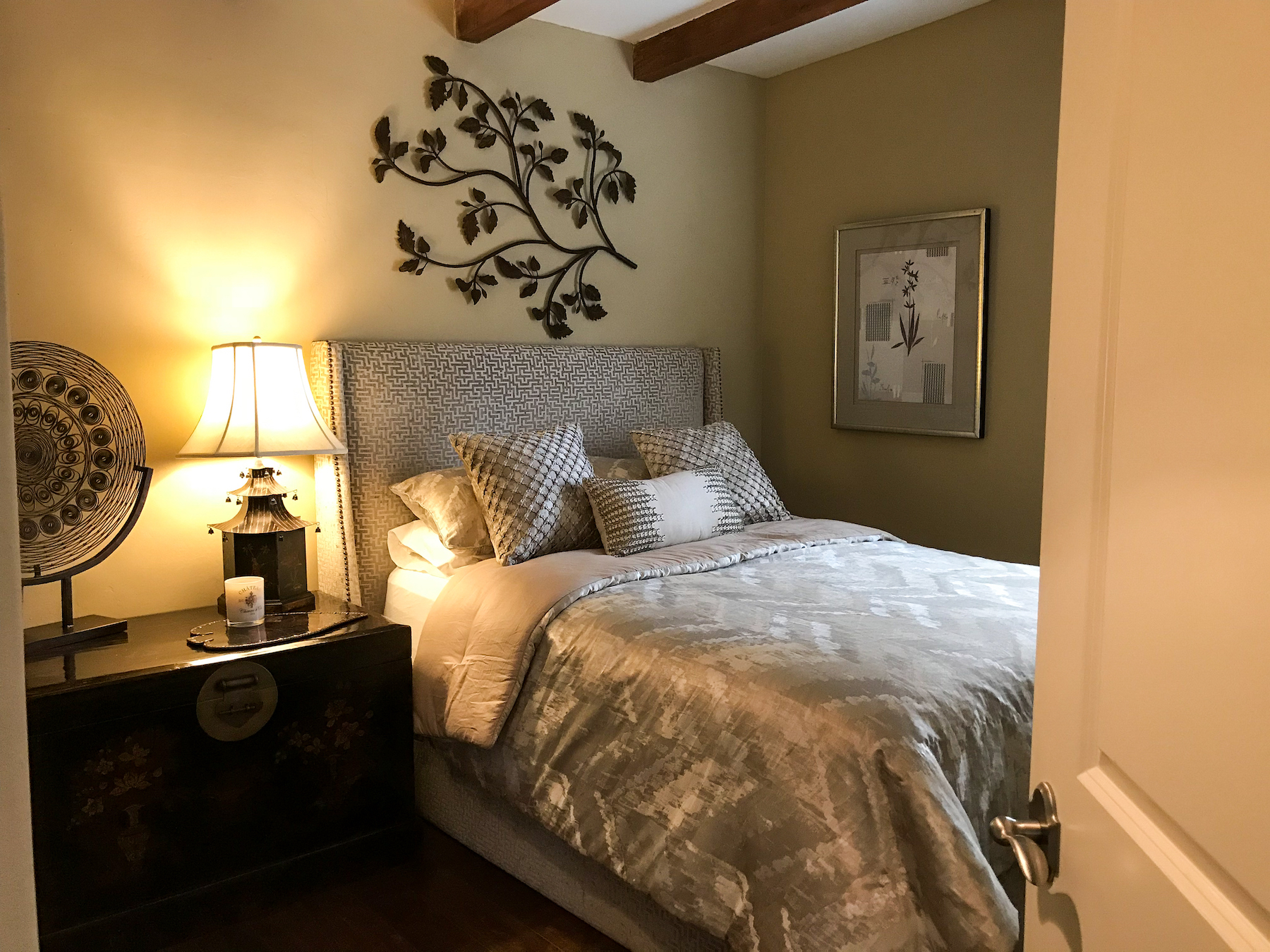San Diego Guest Bedroom by Anna Rode Designs